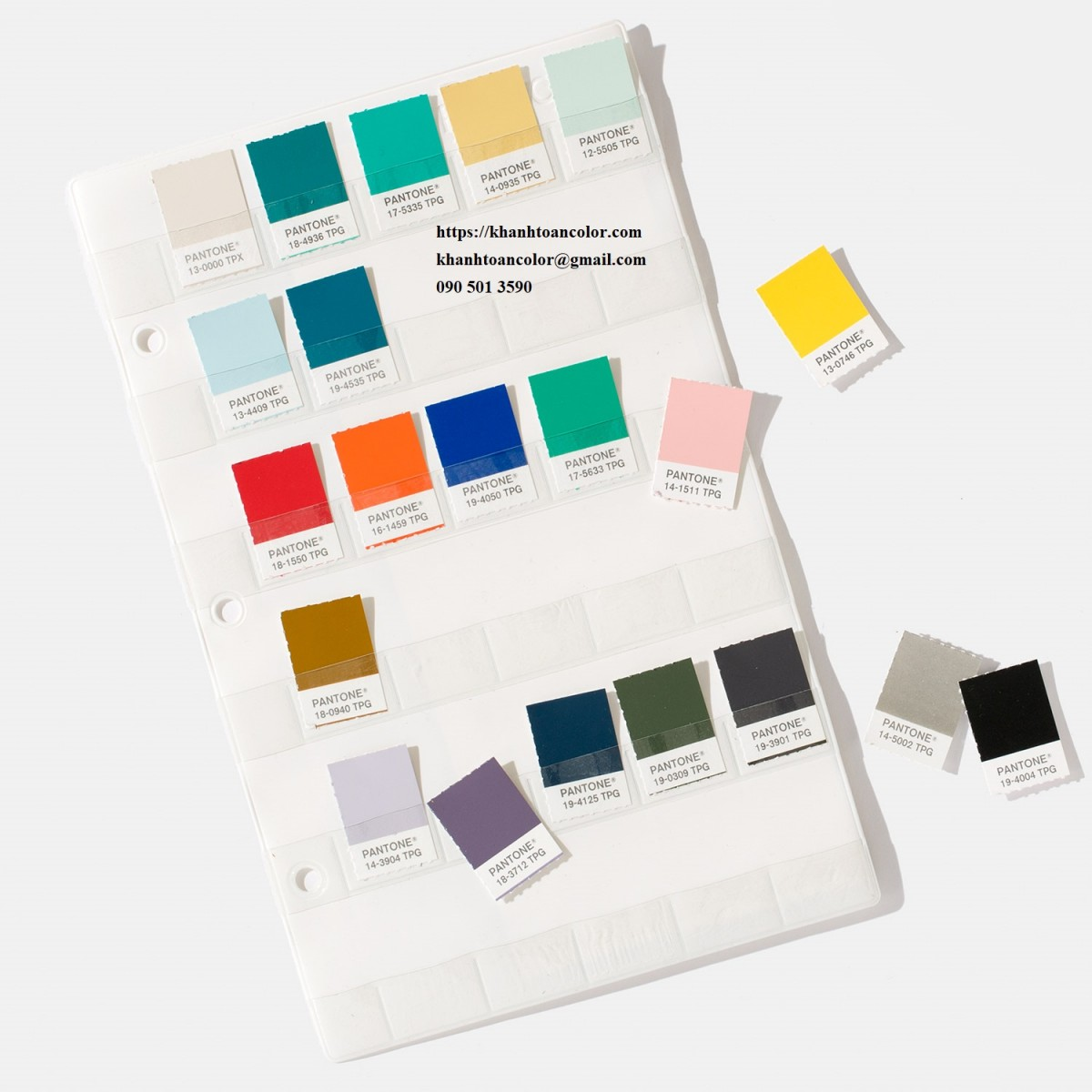 pantone mau moi nhat FHIP230-pantone-fashion-home-interiors-tpg-colors-on-paper-2-volume-binder-matching-guides-color-specifier-and-guide-set-index-product-4
